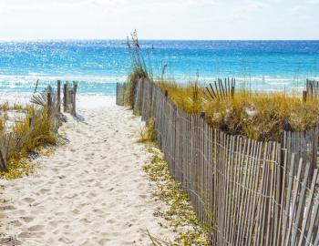 sandy beach in Destin Florida